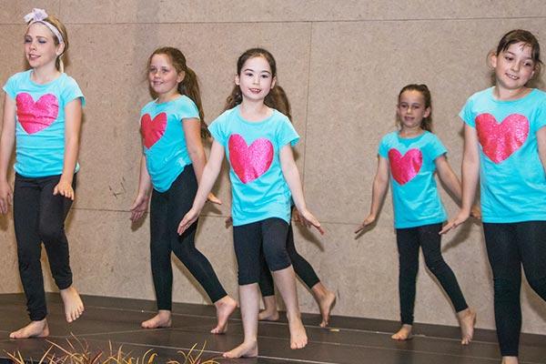 Jitterbugs Dance Lessons showtime